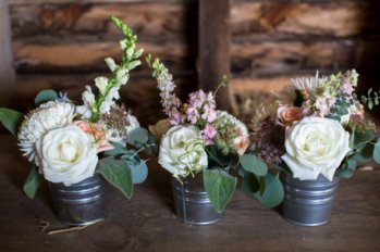 diy-wedding-flowers-590x393